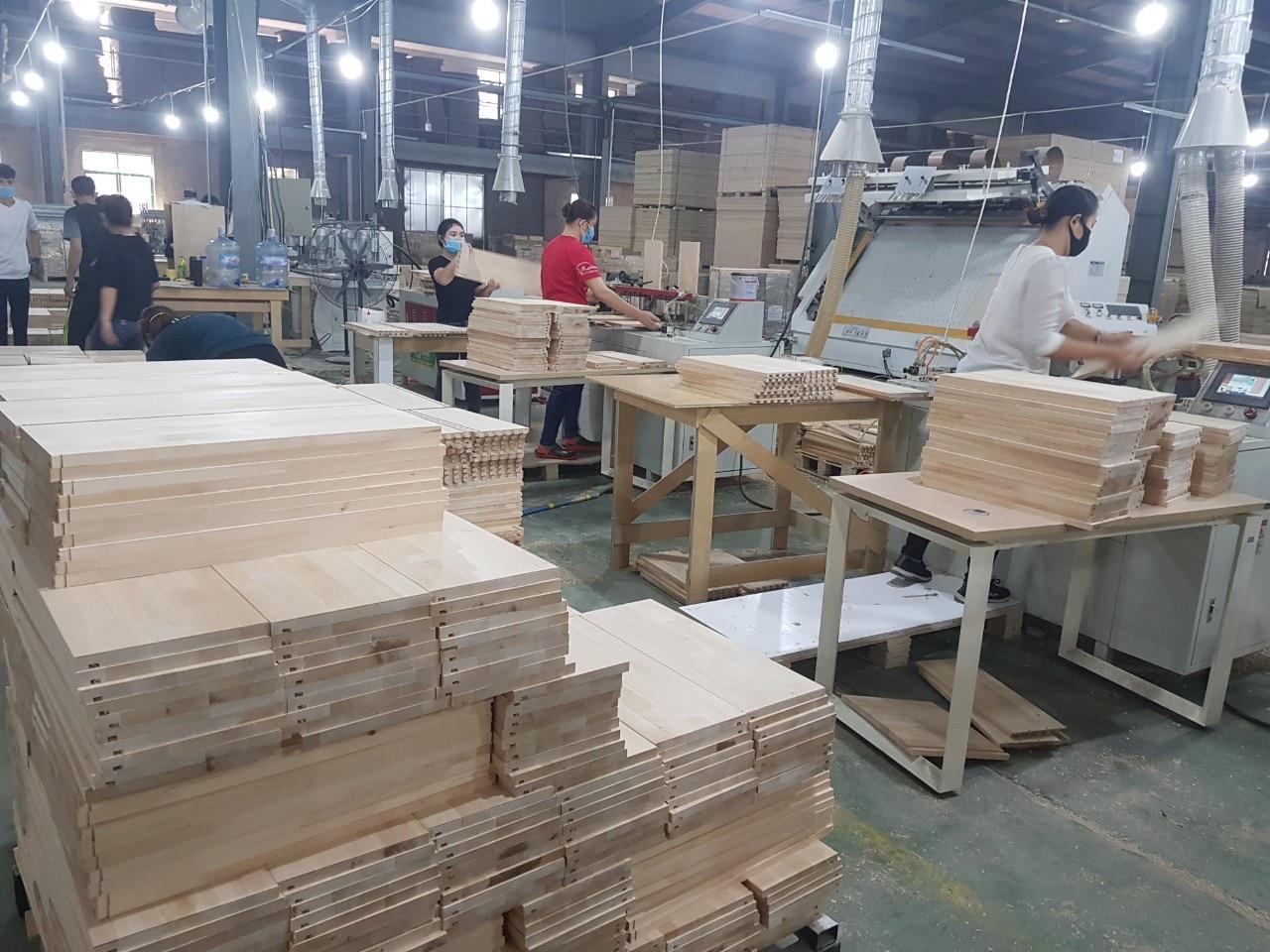 Đại dịch COVID 19 khiến ngành gỗ đứng trước thảm cảnh không có đơn hàng kể từ tháng 4/2020 cho đến năm 2021
