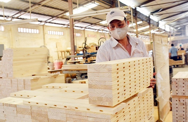 Wood product processors need to restructure production due to COVID-19